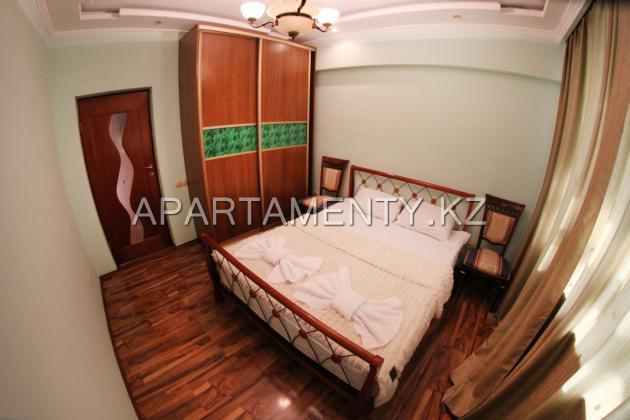 2-комнатная квартира посуточно, Барибаева 23