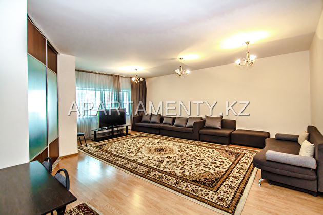 3-bedroom apartment for rent, st. Dostyk 5