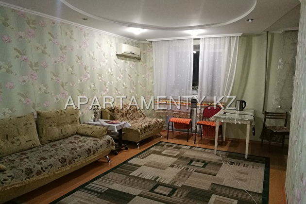 2-room apartment per night, st. Momysh Uly, d.10