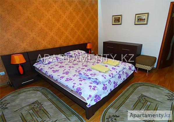 2-комнатная  квартира посуточно в Алматы