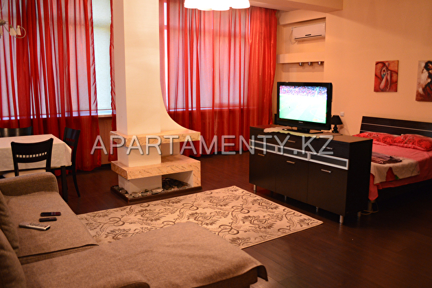 One bedroom apartment, LCD