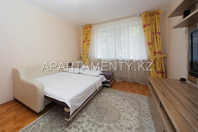 Недорогая квартира посуточно, в центре Алматы