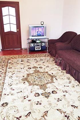 one bedroom apartment for days in Uralsk