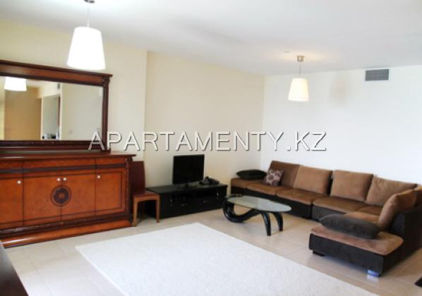 spacious 1-bedroom apt