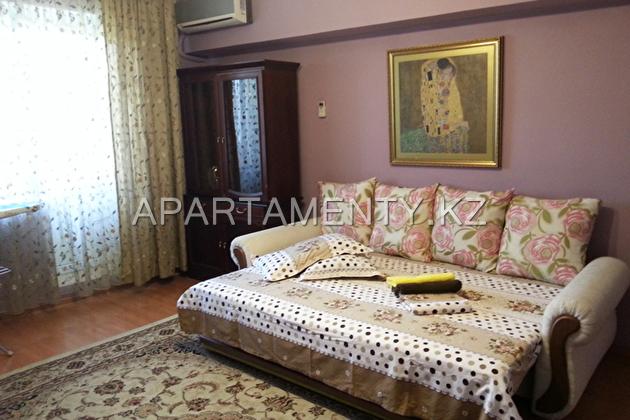 One bedroom apartment, Center, Almaty