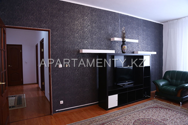 One bedroom apartment on the avenue. Satpaev