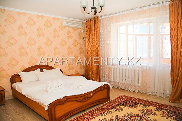 Апартаменты посуточно в Алматы, Самал,  Нурлытау