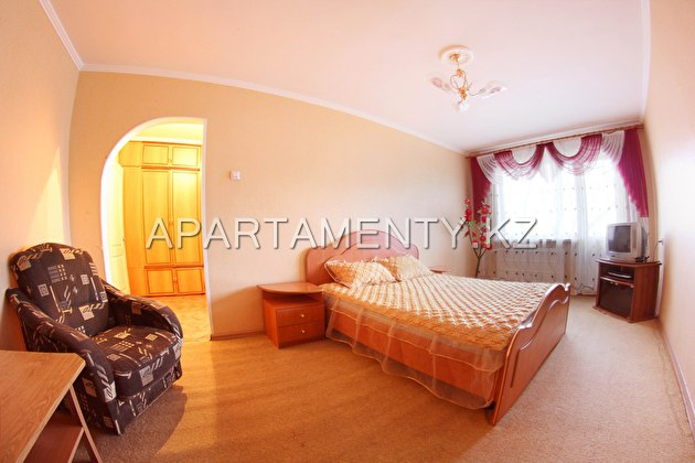 One room apartment for daily rent in Altyn