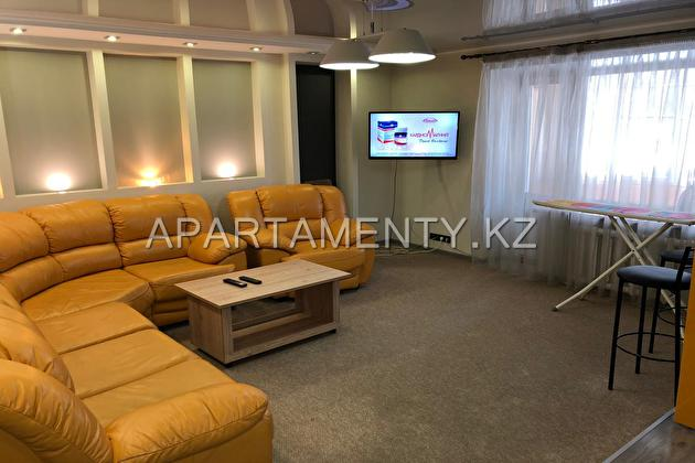 3 roomed apartment by the day,  Protozanov St .11