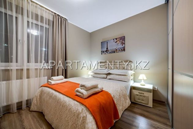 3-roomed apartment by the day, st. Navoi 62