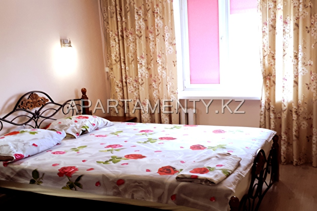 2-room apartment for daily rent, ul. Tauelsizdik 4