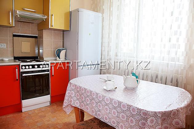 Недорогая квартира посуточно, Астана Краун Плаза