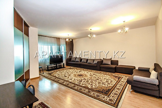 3-room apartment for daily rent, Dostyk str. 5