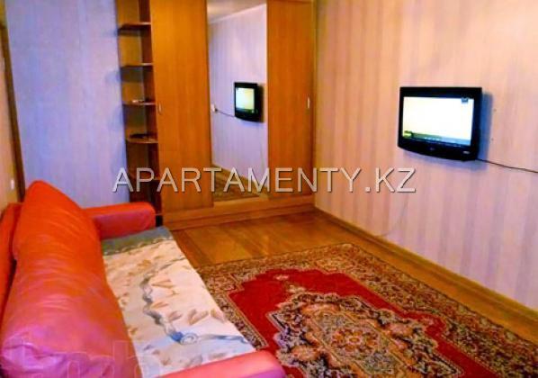 Отличная квартира посуточно в центре Караганды