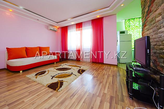Двухкомнатная квартира посуточно в Атырау