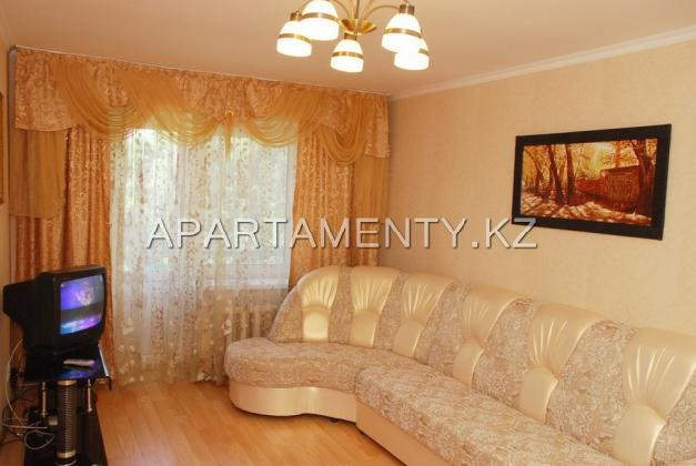 1-room apartment for daily rent, ul. Auezova d. 14