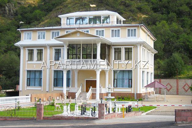 Edelweiss hotel Almaty