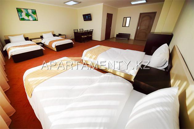 4-bed standard room