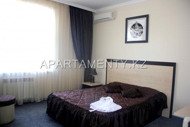 Semi-Luxe hotel room