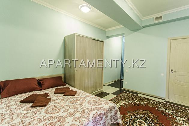 Уютные Люкс апартаменты посуточно с  двухместной кроватью Queen size №2