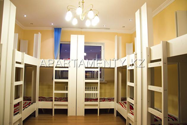 Койко-места на сутки в 8-местной комнате