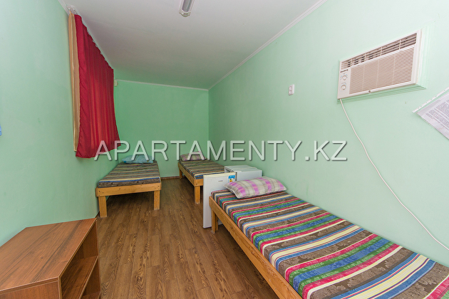 4-bed room