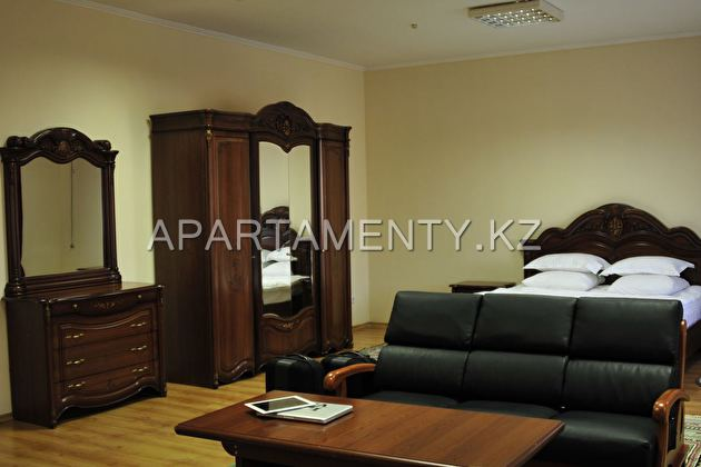 Suite with balcony and bed size «king-size»