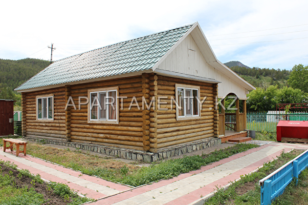 House A (3-bedroom log cabin)