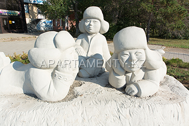 "Monument ""Children"" in Karaganda, parks"