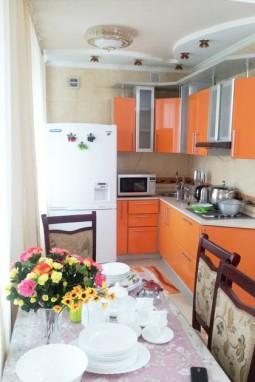 3-комнатная посуточно  в центре Караганды