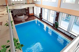 Swimming pool, jacuzzi, sauna