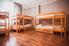 Двухъярусная кровать в общем номере для женщин